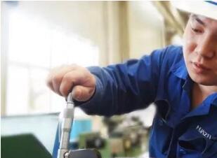 【大华创新工场】新型油气润滑装置试验成功