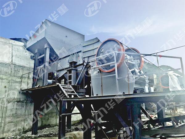 西藏两条鹅卵石破碎线顺利投产
