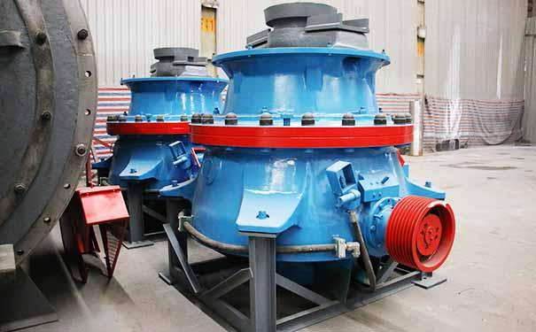 一套时产100吨的青石破碎机需要哪些设备?